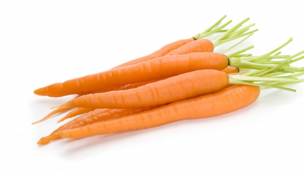 коктейл с моркови, ябълка и стевия