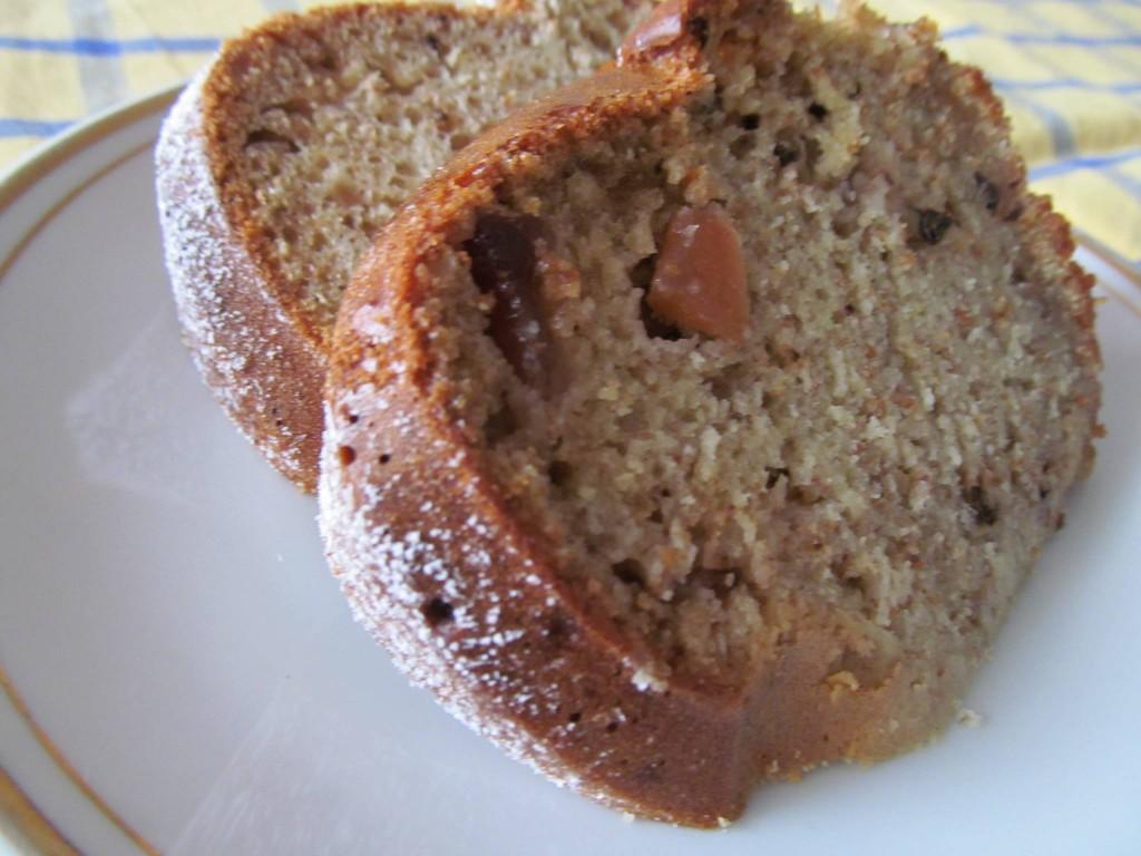 Кекс с пълнозърнесто брашно и стевия