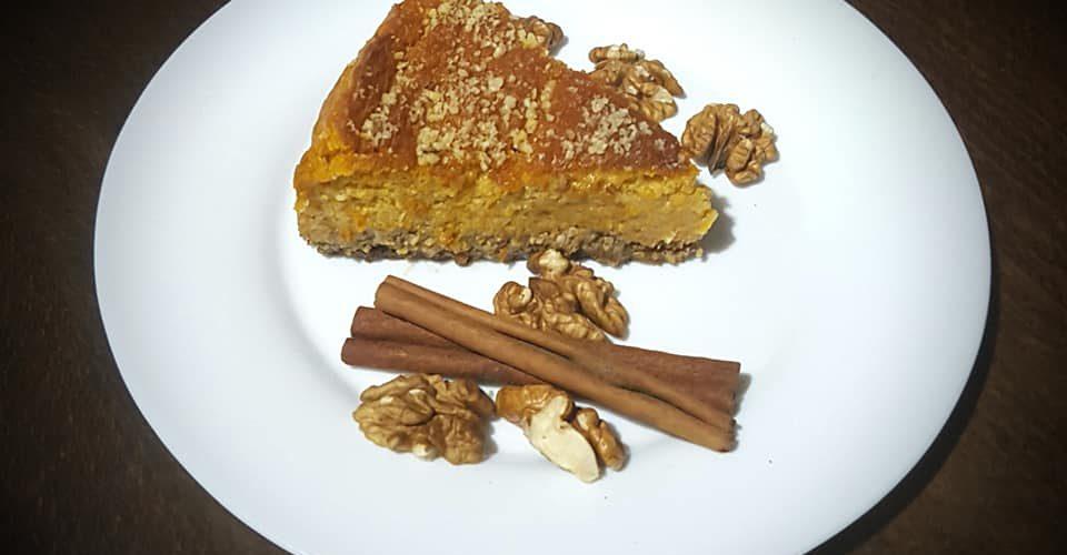 Чийзкейк с тиква, стевия, орехи и канела